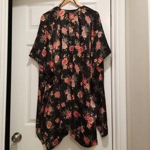Forever 21 Satin Floral Print Kimono Size Medium